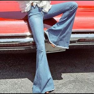 Denim - Like new boho bell bottom jeans